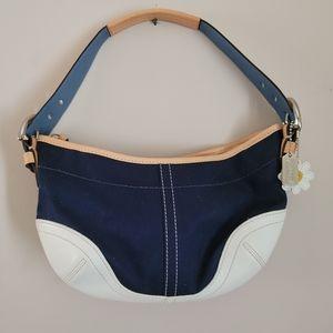 Beautiful Coach Daisy Hobo bag purse